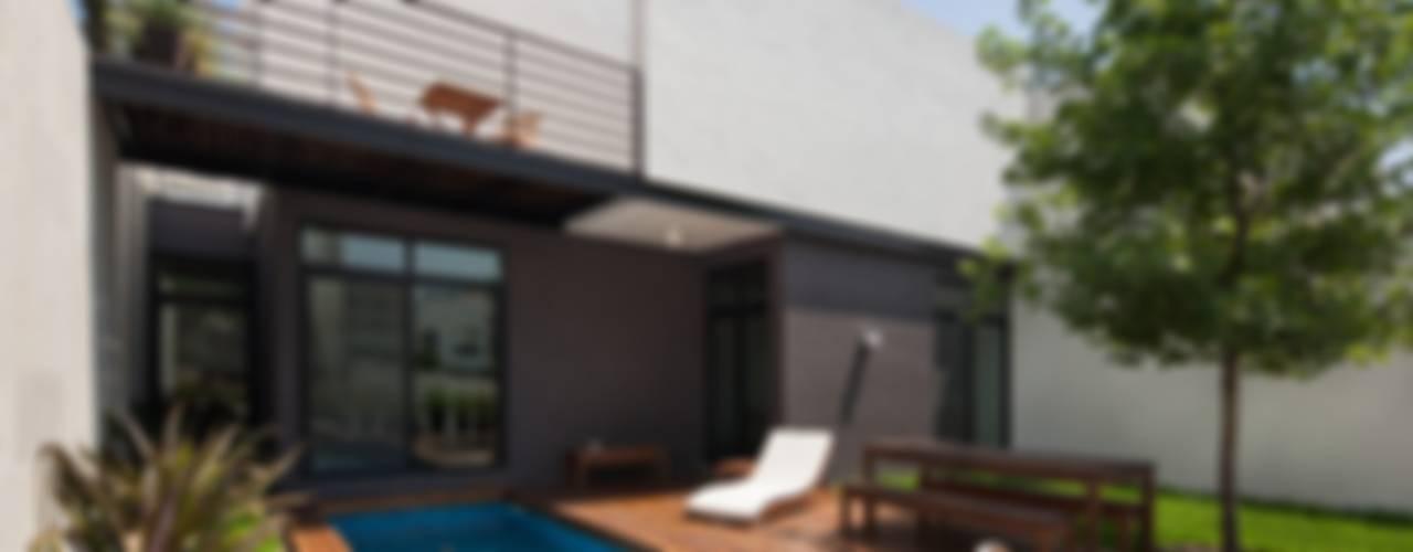 Modern style balcony, porch & terrace by LGZ Taller de arquitectura Modern