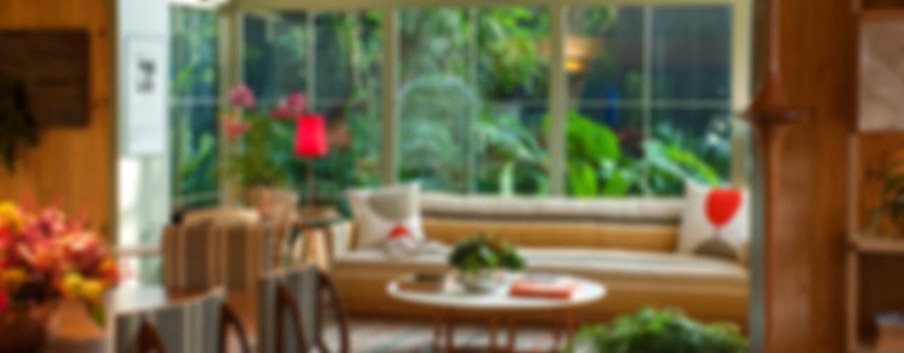 Casa Cor 2015/ A Casa da Gente: Salas de estar  por Marina Linhares Decoração de Interiores,Tropical