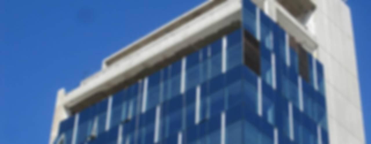 Modern windows & doors by mm ARQUITECTOS Modern