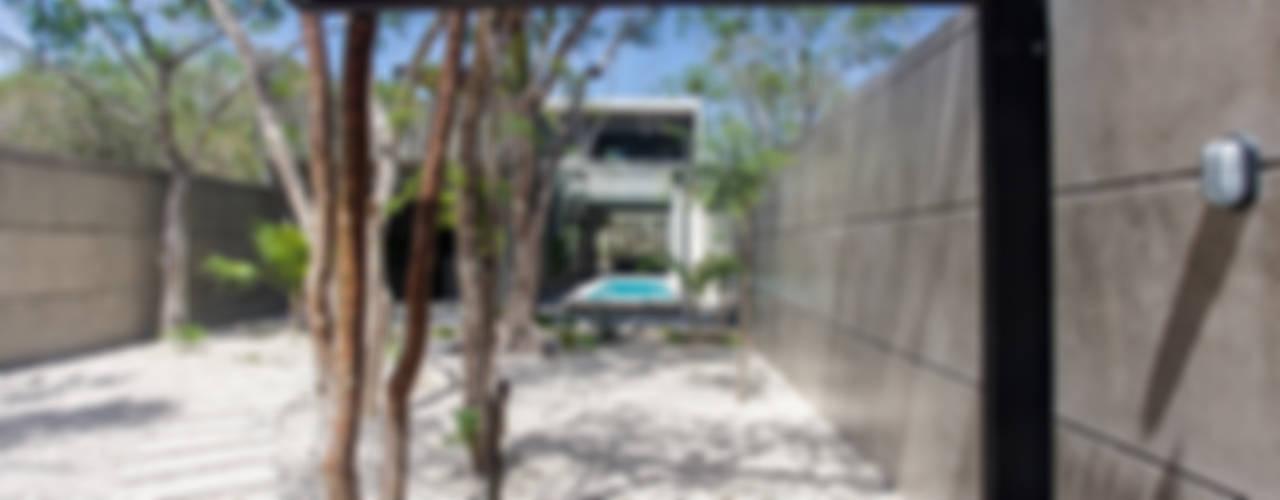 Casas de estilo  por Studio Arquitectos