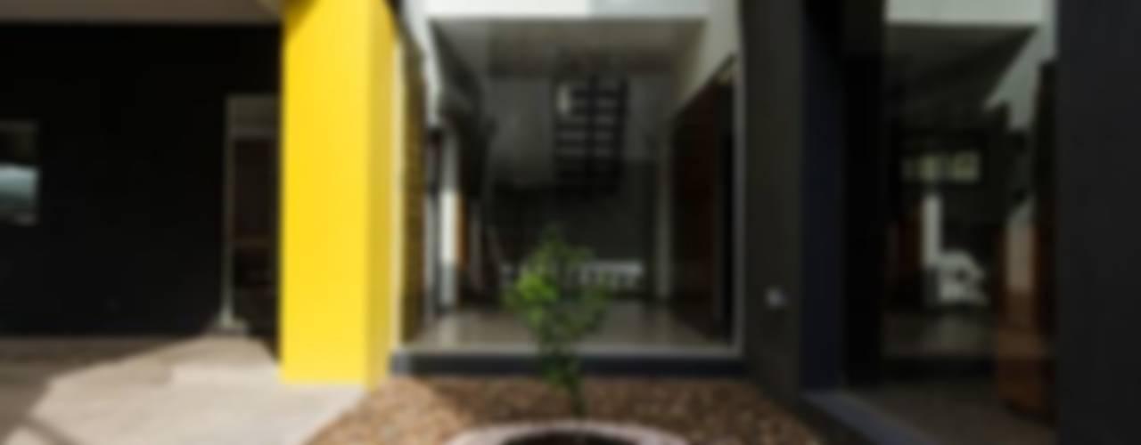 Casa Los Tipales  L78: Casas de estilo  por APPaisajismo,Moderno