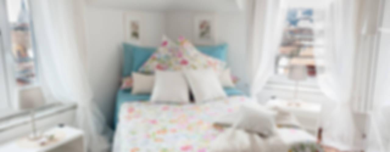 Appartamento Torino Centro storico: Camera da letto in stile  di Loredana Vingelli Home Decor