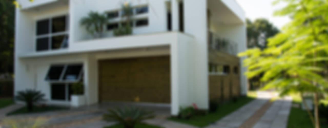 Casas de estilo  por HAPPY Arquitetura