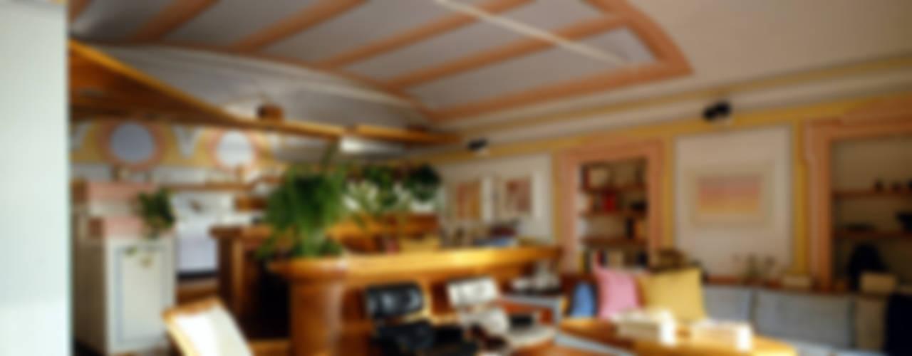 VITTORIO GARATTI ARCHITETTO Salones de estilo moderno