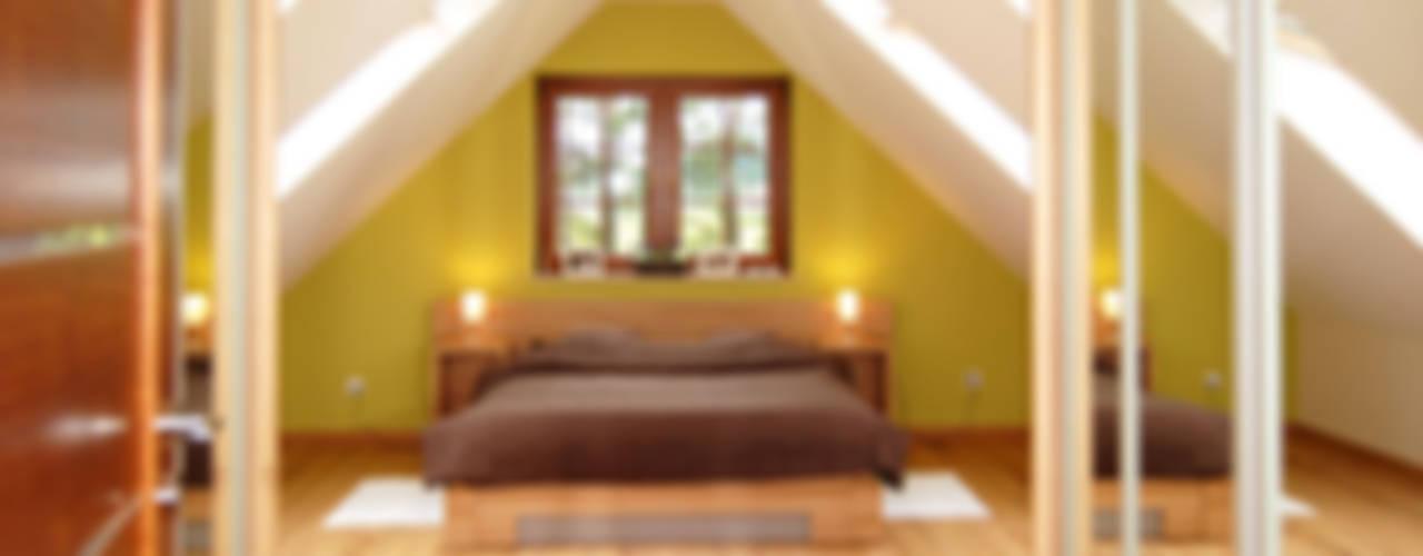Classic style bedroom by Biuro Projektów MTM Styl - domywstylu.pl Classic