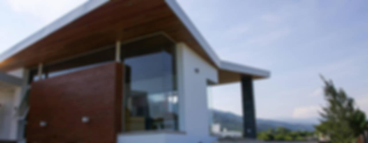 Moderne Häuser von CB Design Modern
