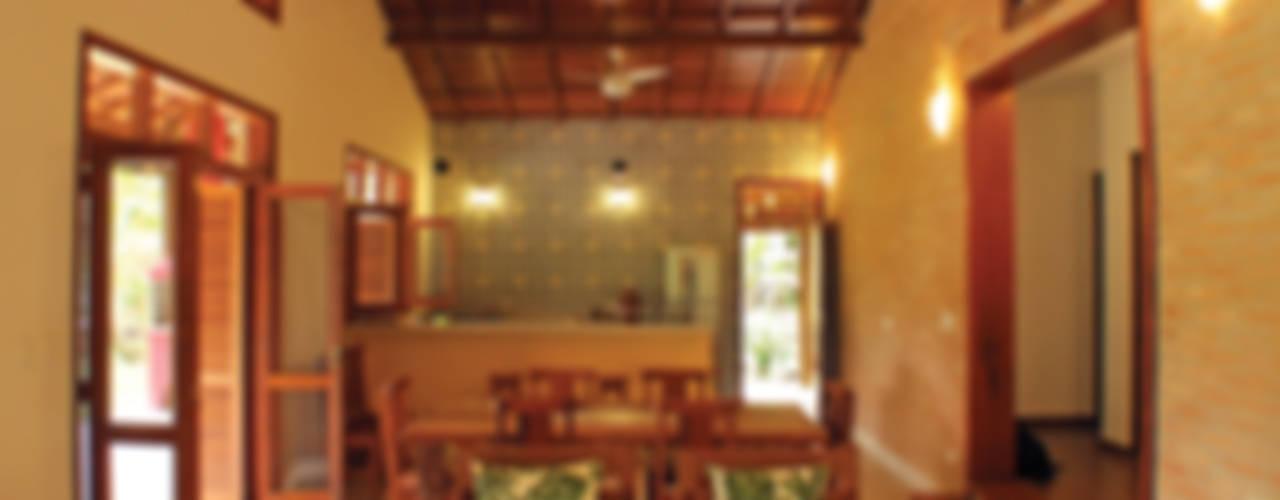 Rústica e Colonial Salas de estar coloniais por RAC ARQUITETURA Colonial