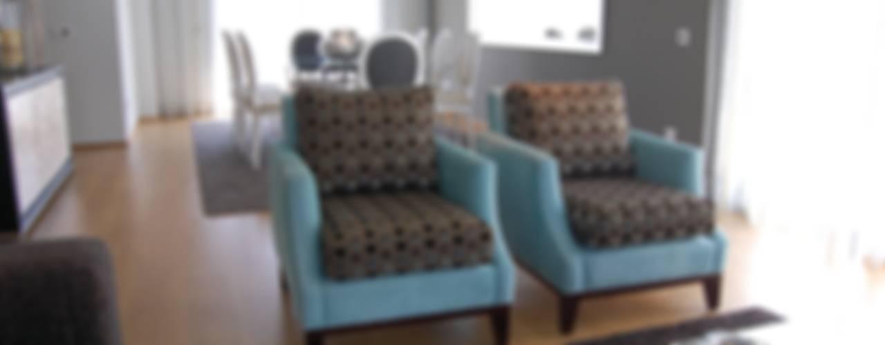 Eclectic style living room by Critério Arquitectos by Canteiro de Sousa Eclectic