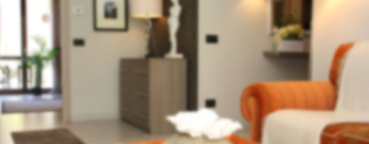Ristrutturazione appartamento Soggiorno classico di DemianStagingDesign Classico