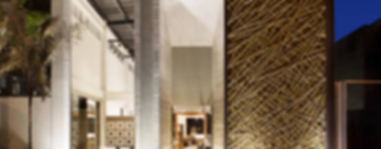 Corridor & hallway by BAMBU CARBONO ZERO