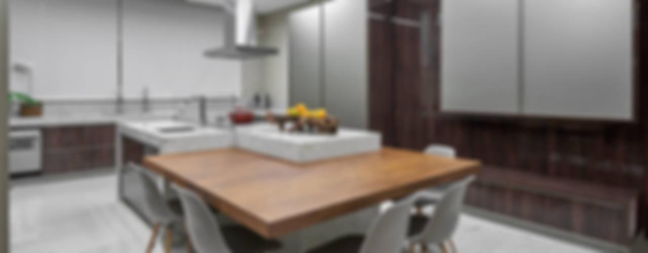 Кухни в . Автор – Estela Netto Arquitetura e Design,