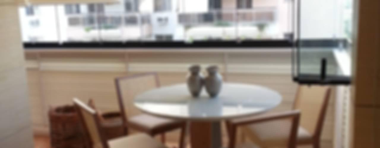 Apartamento Bretanha por Lucio Nocito Arquitetura Varandas, alpendres e terraços modernos por Lucio Nocito Arquitetura e Design de Interiores Moderno