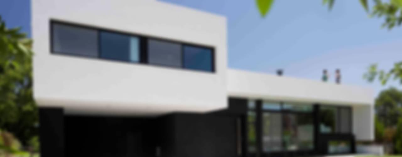 Moderne Häuser von Remy Arquitectos Modern