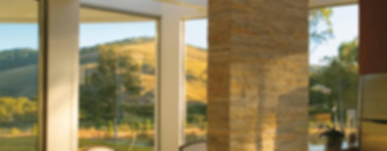 Nowoczesne okna i drzwi od Isabela Canaan Arquitetos e Associados Nowoczesny