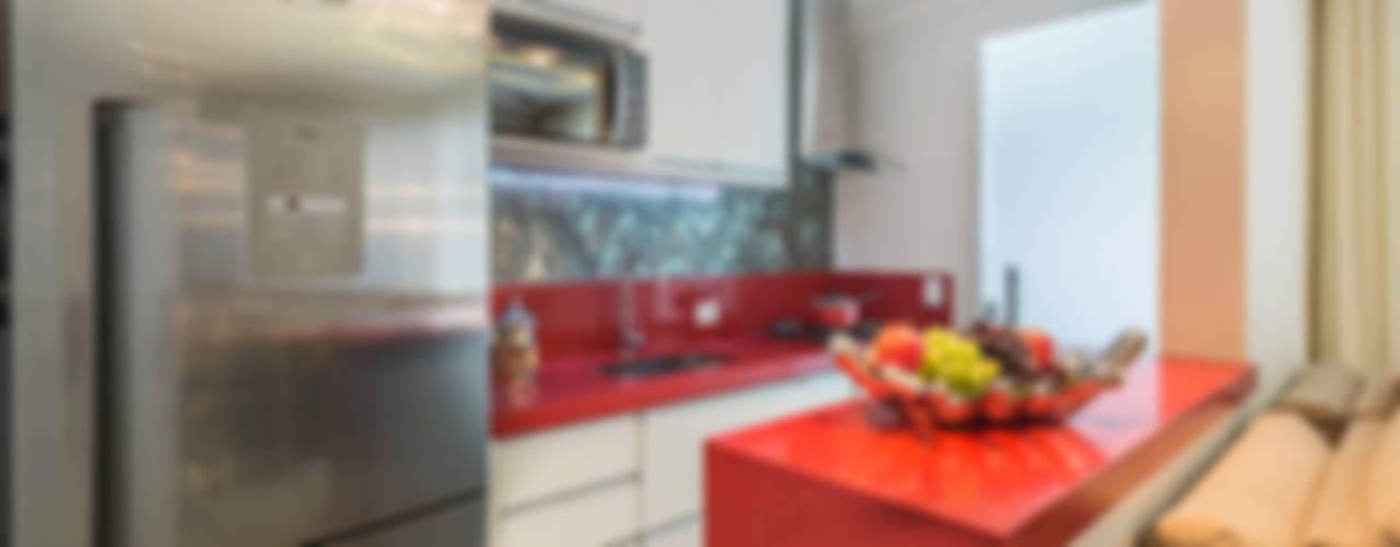 Cucina in stile in stile Moderno di Silvana Borzi Design