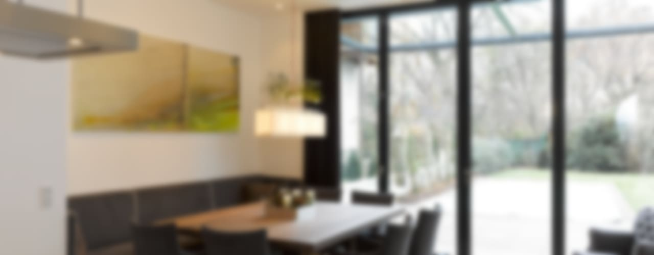 Classic style dining room by Mayr & Glatzl Innenarchitektur Gmbh Classic
