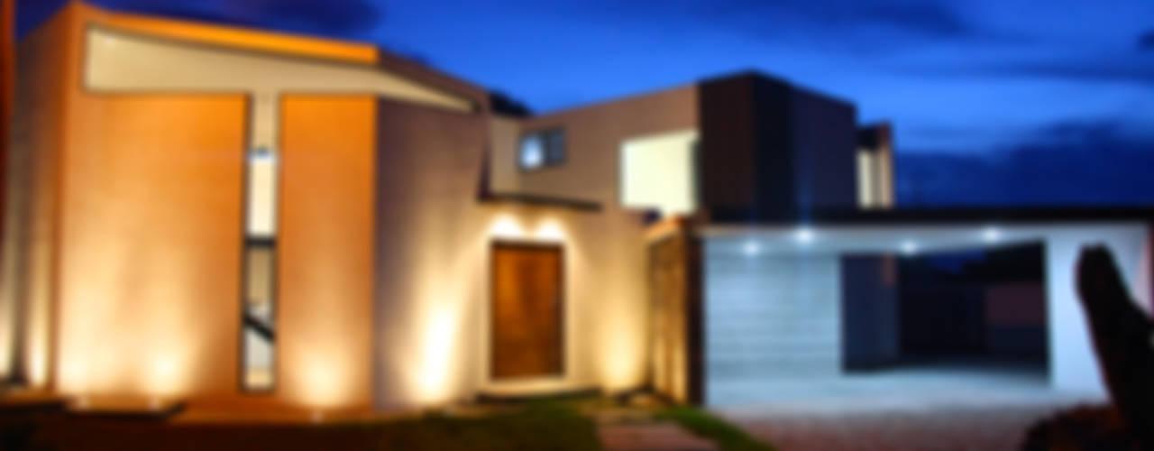 CASA PATIO: Casas de estilo  por Narda Davila arquitectura, Moderno