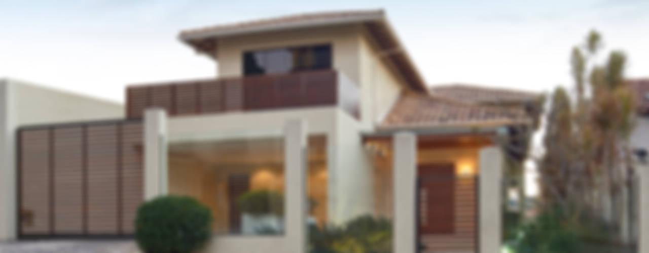 Huizen door Isabela Canaan Arquitetos e Associados,