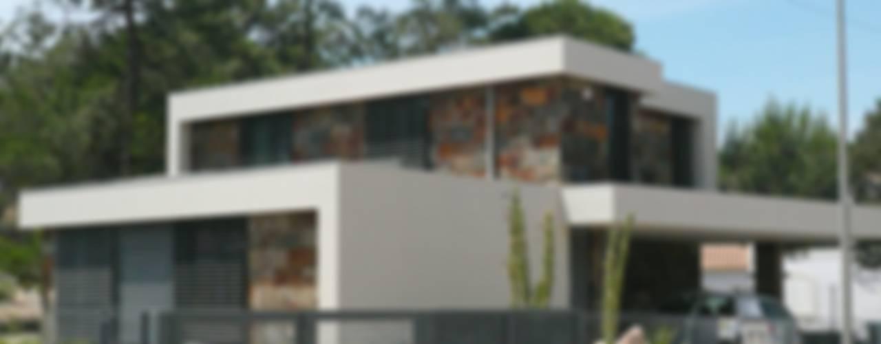 por Trindade Arquitectura Minimalista