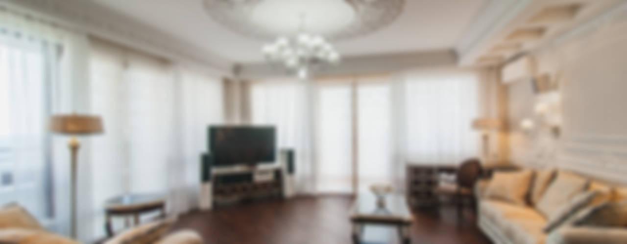 апартаменты в Ялте Гостиная в классическом стиле от Дорогой Дом Классический