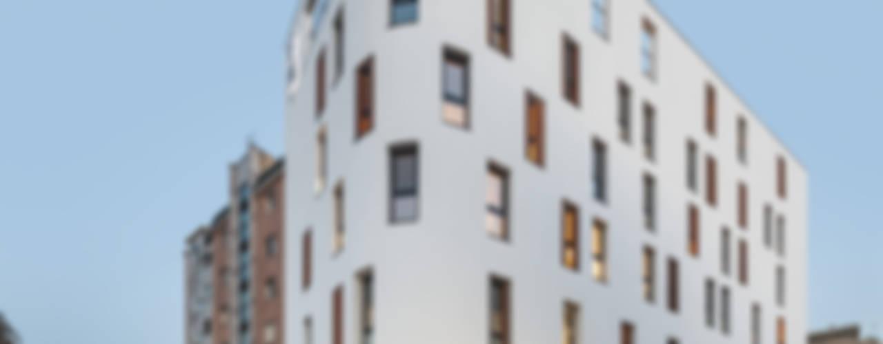 Woonam Urban Housing: Strakx associates 의  주택