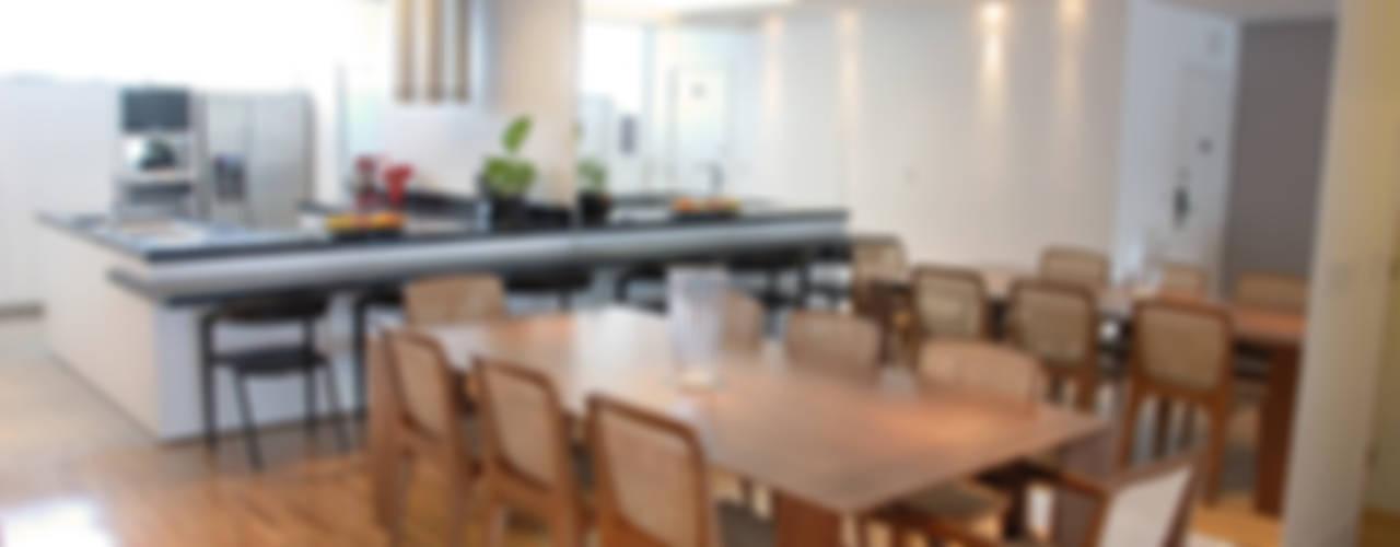 APTO ALAMEDA LORENA: Salas de jantar  por MONICA SPADA DURANTE ARQUITETURA