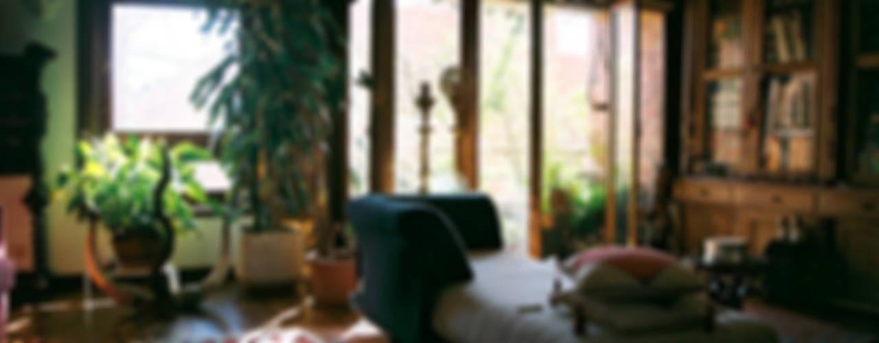 Livings modernos: Ideas, imágenes y decoración de MANUEL CORREIA FERNANDES, ARQUITECTO E ASSOCIADOS Moderno