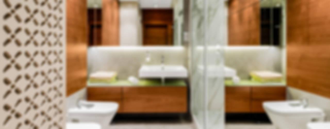 Baños de estilo  por Ayuko Studio