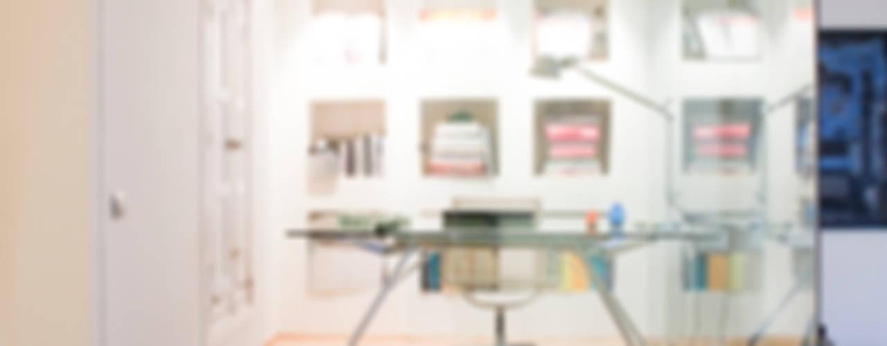 SALUD Estudios y despachos de estilo moderno de MILLENIUM ARCHITECTURE Moderno