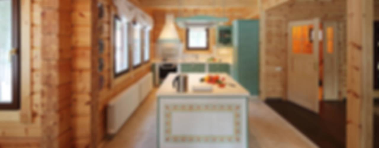 Деревянный дом Хонка в г.Пермь Кухня в стиле кантри от Marina Pennie Design&Art Кантри