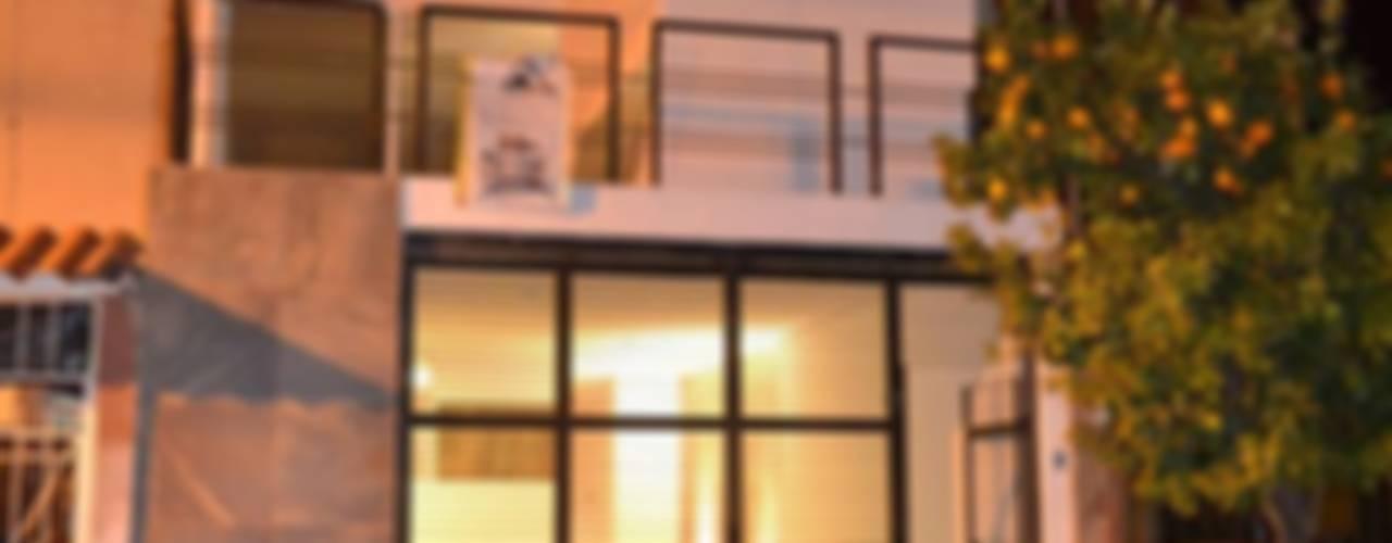 Casas de estilo  por AURA Proyecta