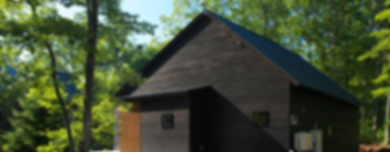 北軽井沢の週末住宅 オリジナルな 家 の Unico design一級建築士事務所 オリジナル