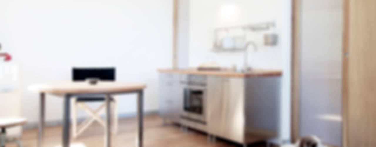 Casa S Cucina minimalista di TIPI STUDIO Minimalista