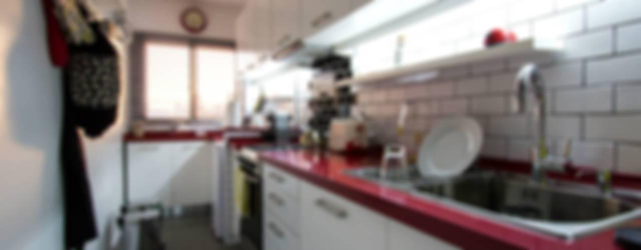COCINA - SyP Cozinhas modernas por Vorm Moderno