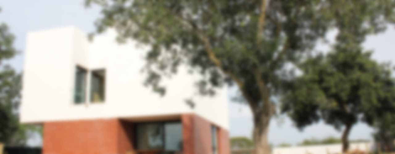 Moradia Almancil. Algarve. Portugal: Casas  por bkx arquitectos