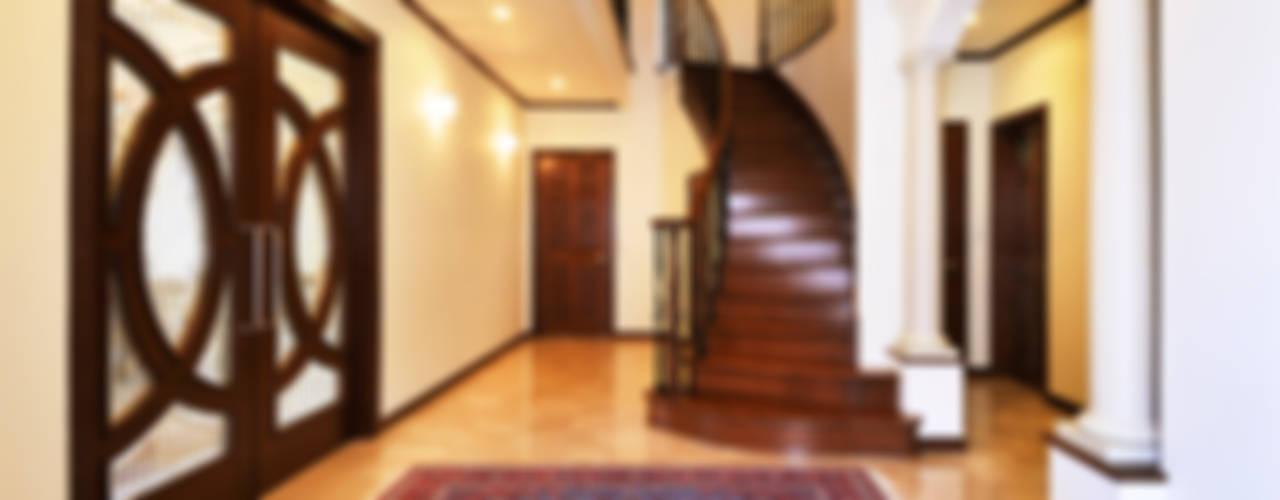 施工事例5 Modern corridor, hallway & stairs by ㈱K2一級建築士事務所 Modern