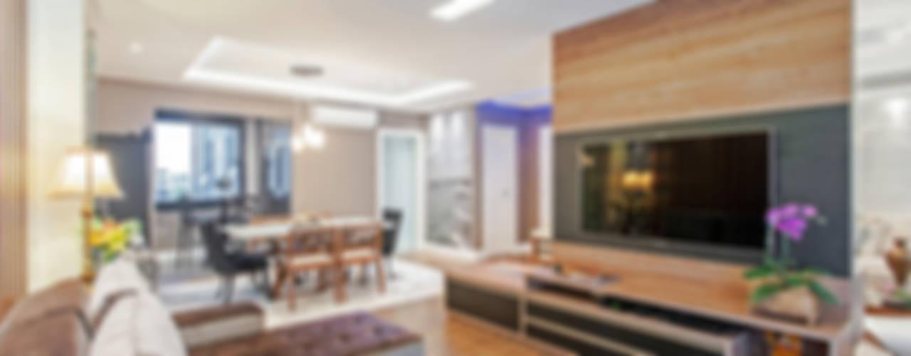 Moderner Multimedia-Raum von Patrícia Azoni Arquitetura + Arte & Design Modern