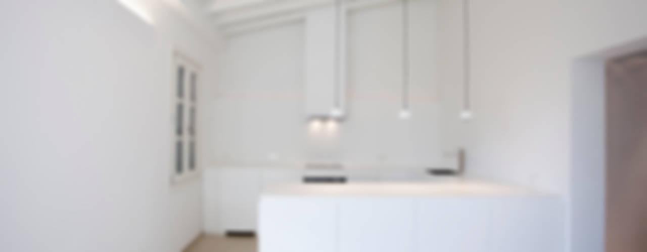 Penthouse HT Palma Cocinas de estilo minimalista de ISLABAU constructora Minimalista