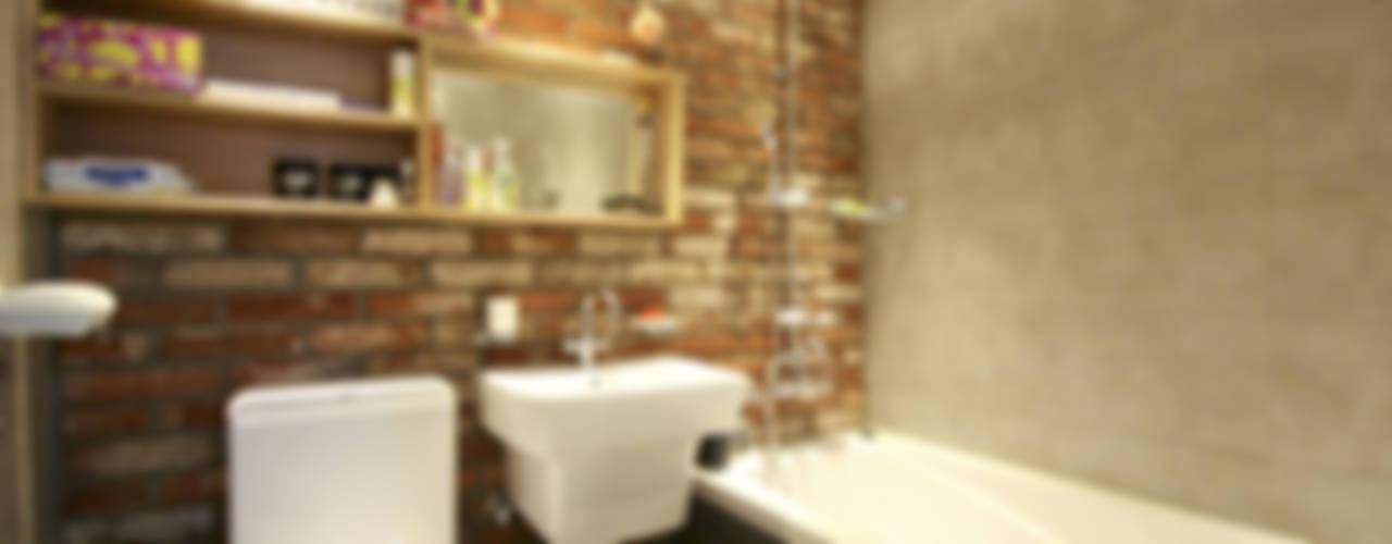 아기자기한 15평 싱글하우스 모던스타일 욕실 by 홍예디자인 모던