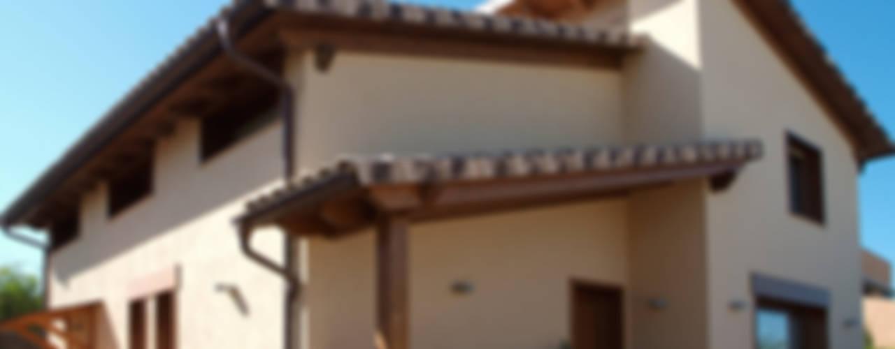 Casa con estructura de madera VDP Casas de estilo mediterráneo de RIBA MASSANELL S.L. Mediterráneo