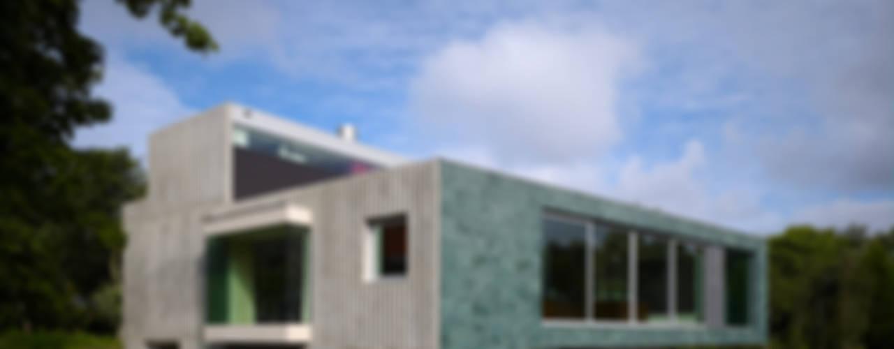 Villa in de duinen, Hoek van Holland:  Huizen door De Zwarte Hond,