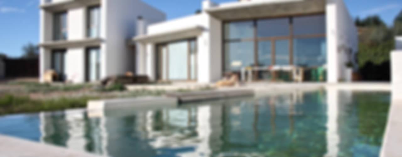 2 en 1. Vivienda bioclimática unifamiliar. Cheste Casas de estilo mediterráneo de PLATAFORMA BIOCE SLP Mediterráneo