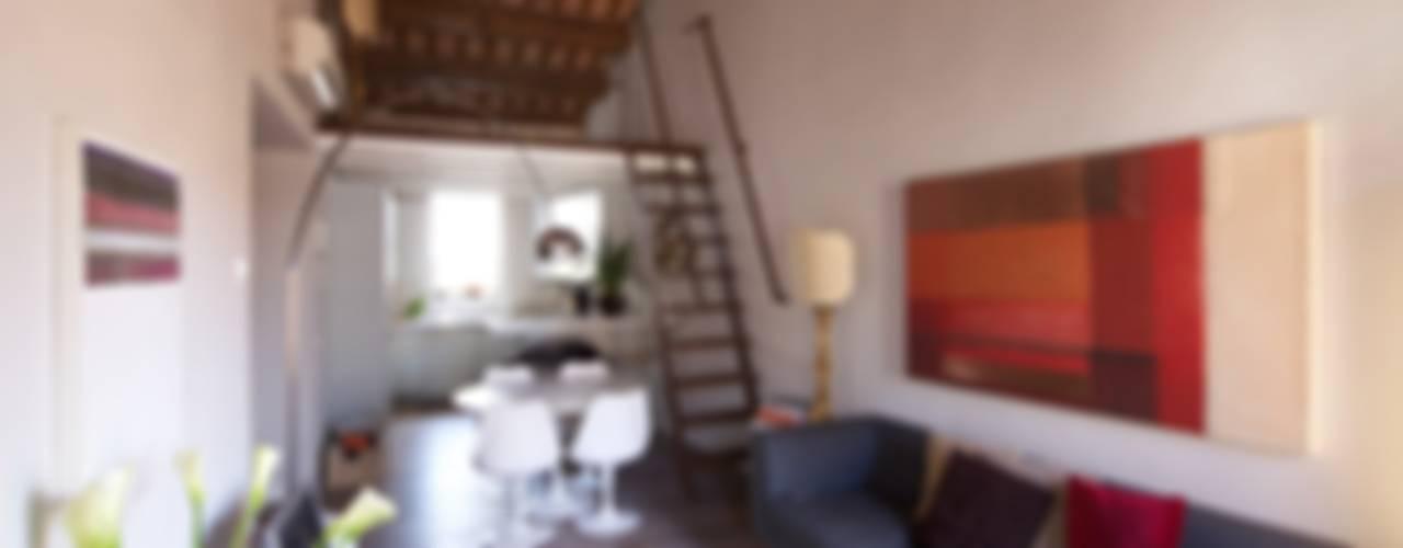 Lawyer's house Soggiorno moderno di cristina mecatti interior design Moderno