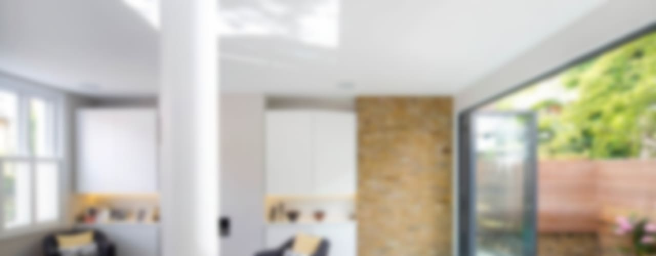 Brackenbury House Moderne woonkamers van Neil Dusheiko Architects Modern