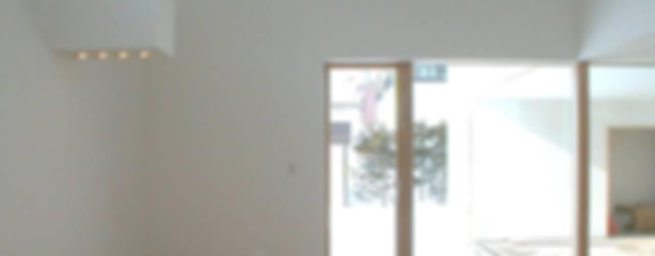 恵庭の住宅 北欧スタイル 窓&ドア の 工藤智央建築研究所 北欧