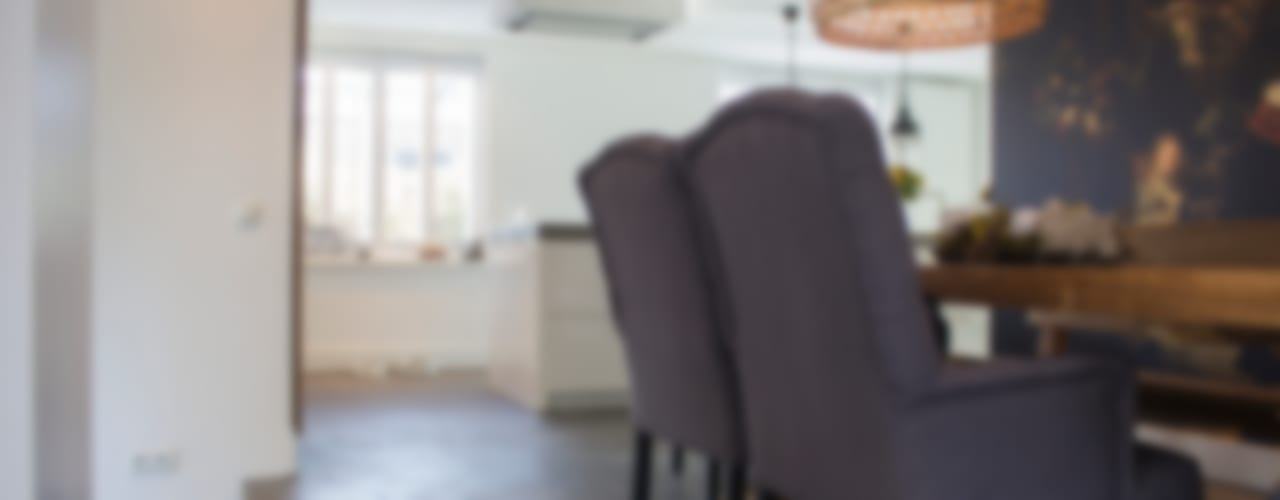 Woonbeton - Cementgebonden gietvloer Moderne eetkamers van Motion Gietvloeren Modern