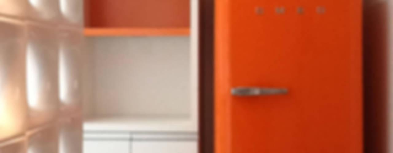 Design de Interiores: Cozinhas  por karen viegas arquitetura e gerenciamento