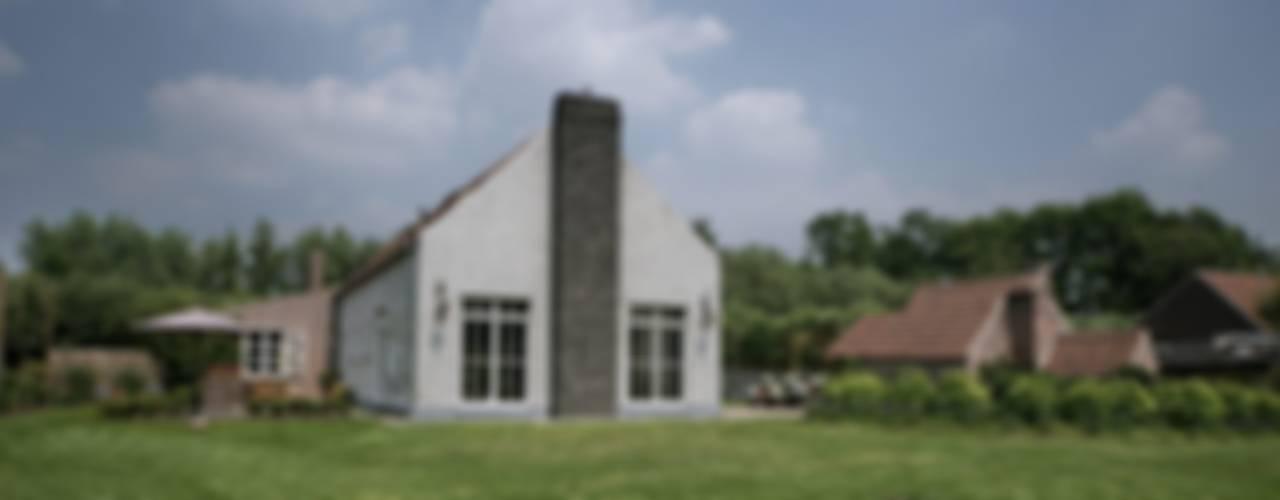Дома в . Автор – Rove, Модерн