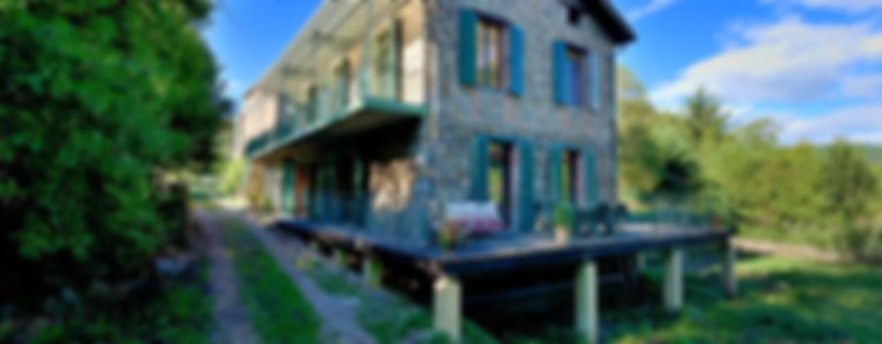 RÉNOVATION D'UNE MAISON CÉVENOLE Maisons rurales par JOSE MARCOS ARCHITECTEUR Rural