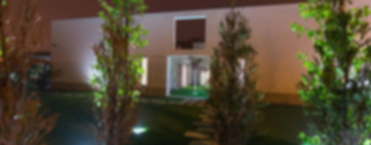 Casas de estilo  por RDLM Arquitectos associados
